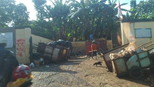jakarta rubbish dump